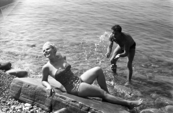 Советские красотки в купальниках