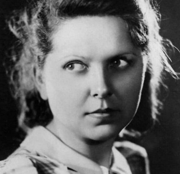 Как советская актриса Вера Орлова добровольно впустила в свои отношения другую женщину