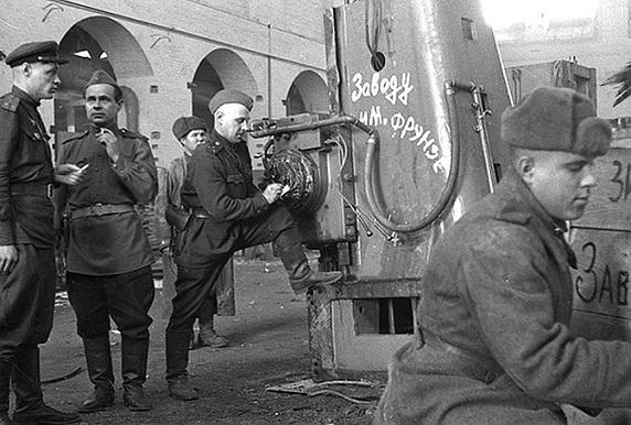 Как Германия возмещала ущерб СССР за Великую Отечественную