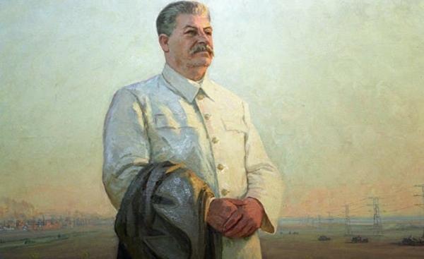 «Портрет Сталина странного изображения»: что нашли в секретариате Вячеслава Молотова